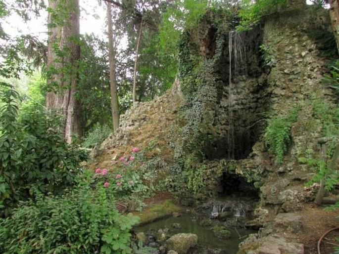 Zahrady sv ta francie toulouse jardin des plantes jardin royal a grand rond - Toulouse jardin des plantes ...